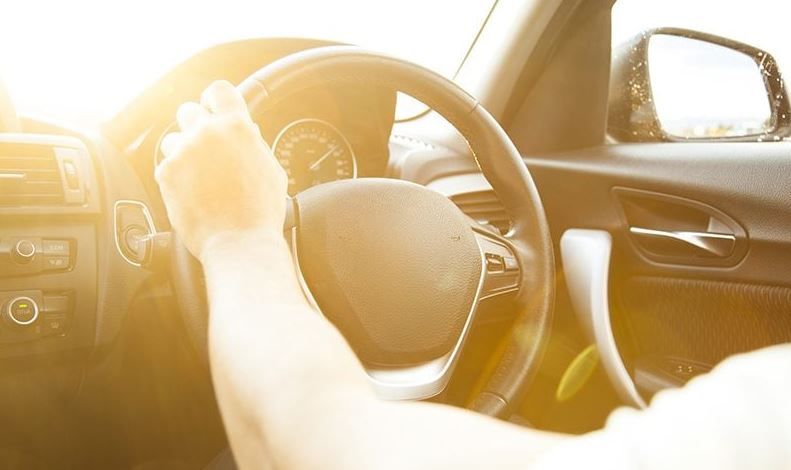 A Guide to Driving in Extremely Hot Conditions